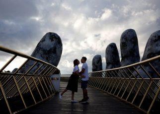 Đến Đà Nẵng du lịch đừng quên check-in tại cầu Vàng
