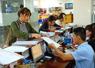Ngoài khoản tiền bồi thường, doanh nghiệp phải còn trả trợ cấp thôi việc cho người lao động khi vi phạm quy định về thời hạn báo trước