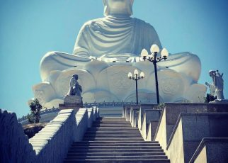 Linh Phong Sơn tự-ngôi chùa nổi tiếng với tượng Phật ngồi cao 108m